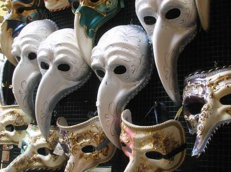504203-Traditional-Venetian-Masks-0