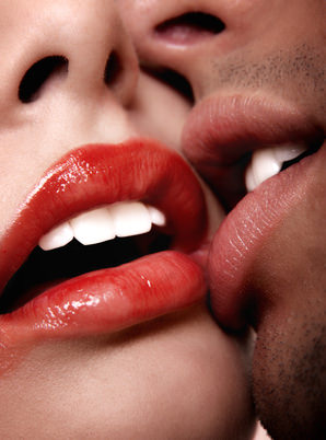 sexy kiss