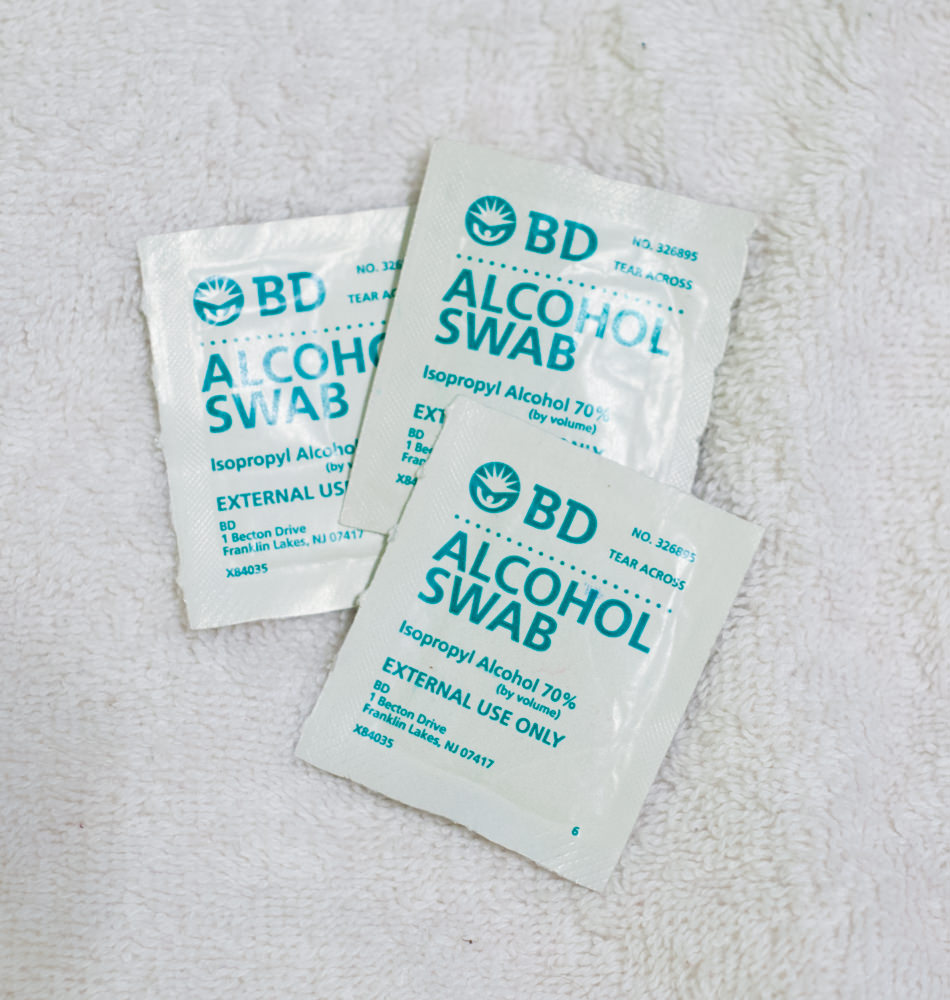3 alcohol swabs
